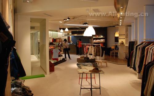 服装店照明设计 引起顾客购买欲