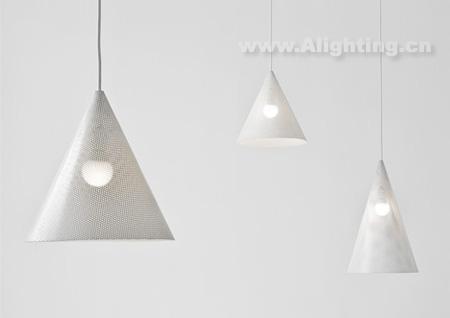 这款网状吊灯的设计灵感来源于母爱和动物巢穴