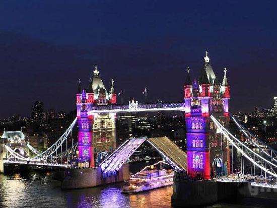 伦敦塔桥灯光设计庆女王登基60年
