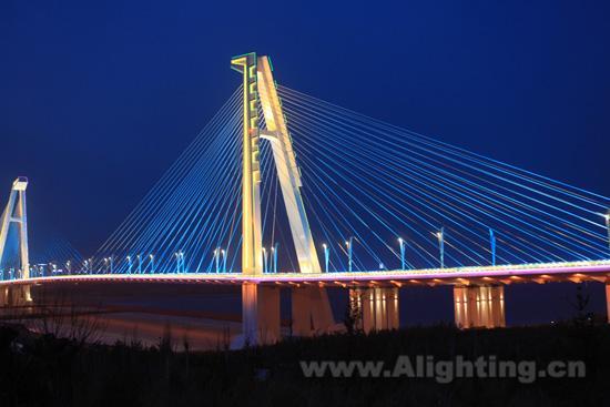 乌兰木伦河大桥照明 飞利浦led灯具成功运用高清图片