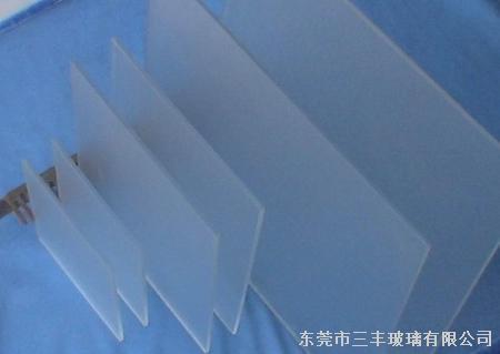太阳能光伏钢化玻璃