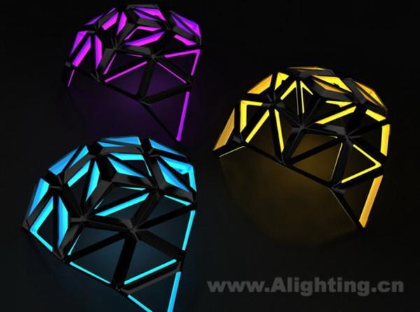 创意灯具,让你见证真正的大师设计:飞蛾灯