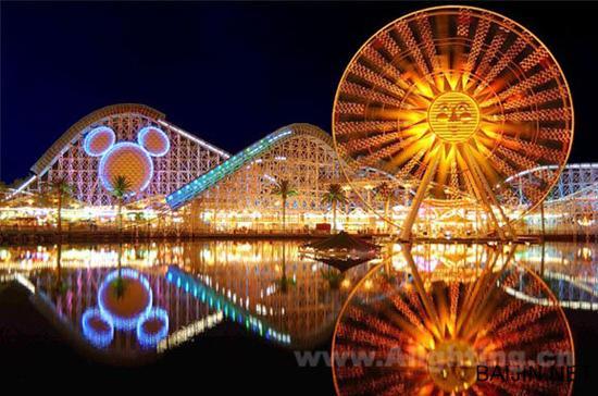 梦幻的卡通世界——加州迪士尼乐园主题公园照明