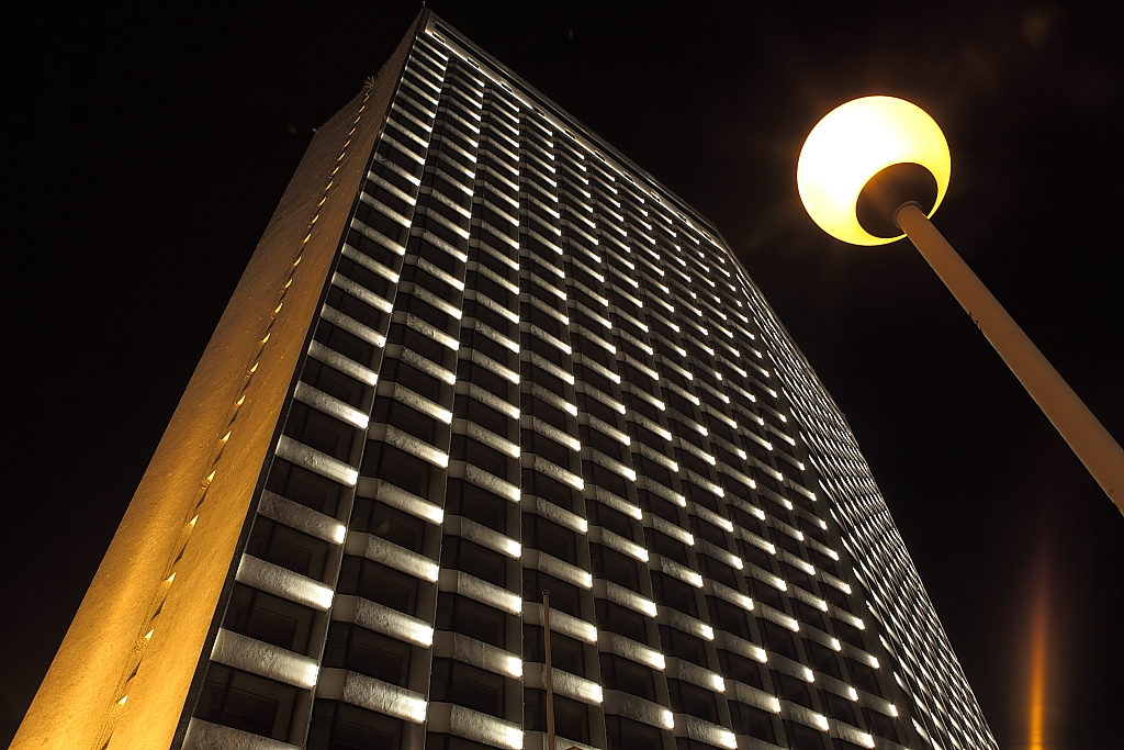 广州------白天鹅宾馆-天奇灯光设计