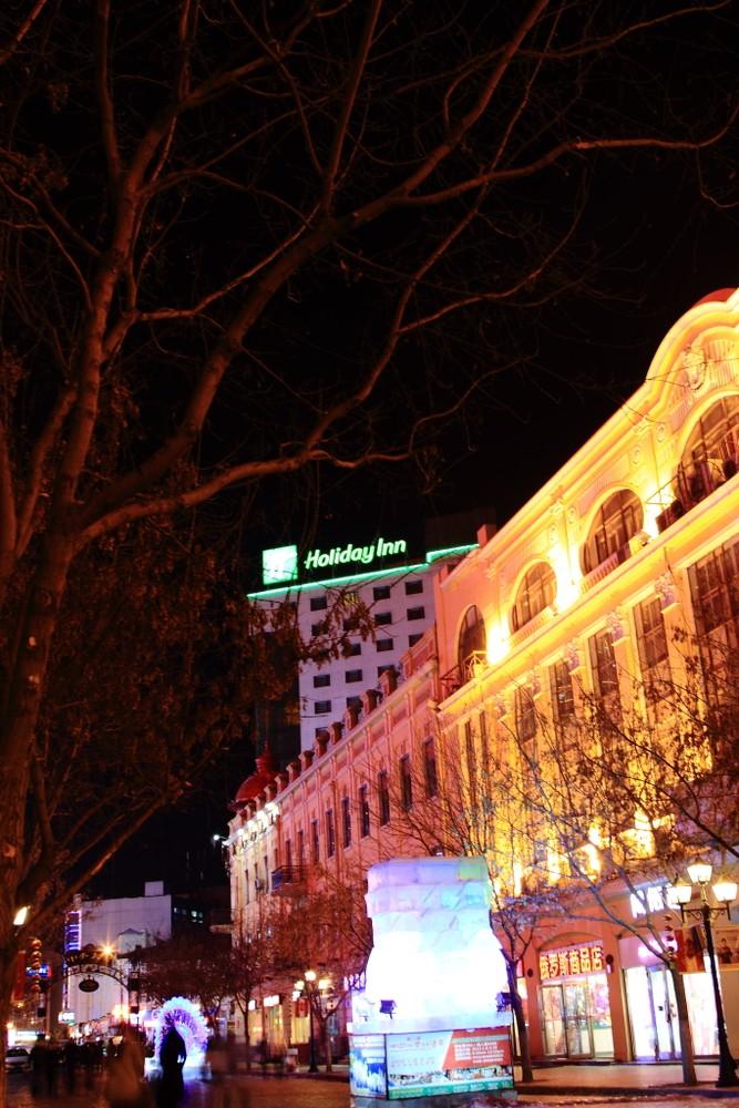 哈尔滨中央大街——欧式建筑之夜精灵