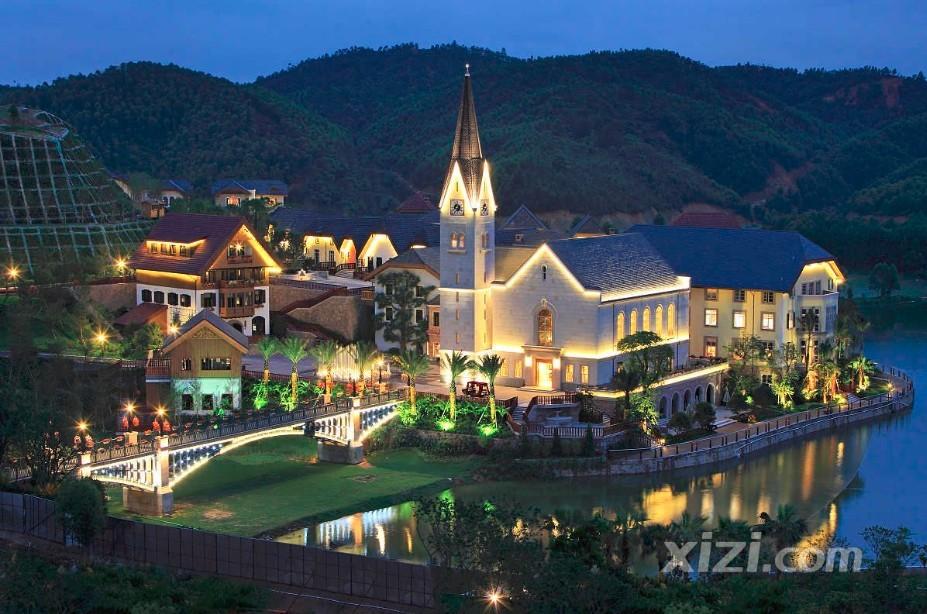 哈施塔特小镇坐落于广东省东南部
