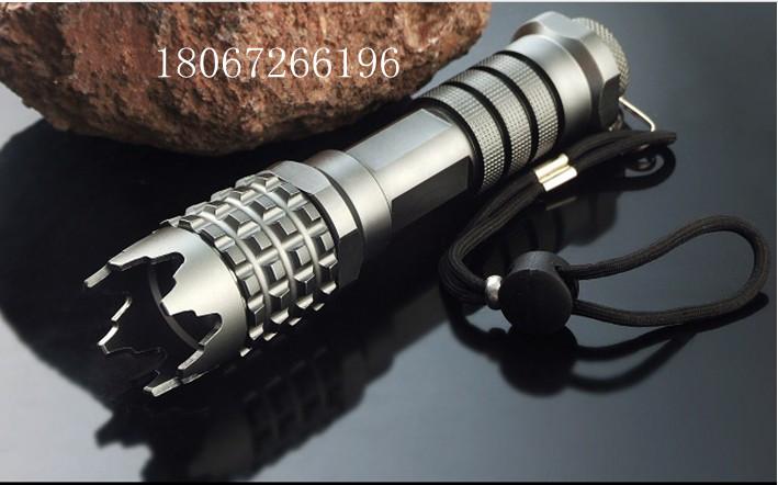 攻击头手电筒,带手电筒的电棒,强光防爆手电筒