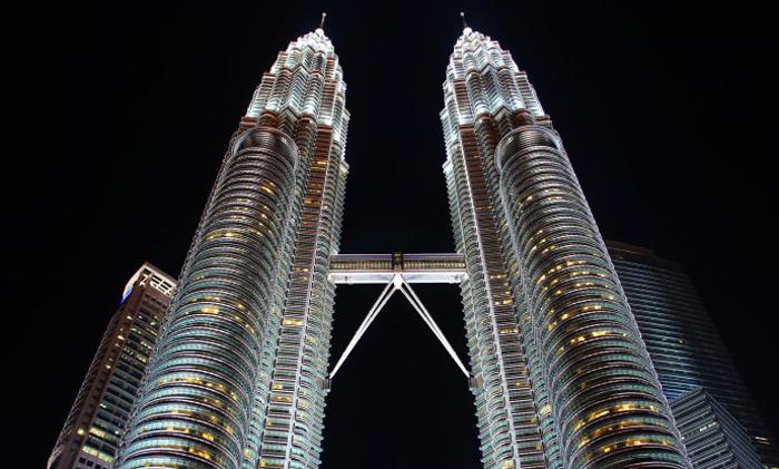 吉隆坡双子塔建筑灯光照明-纳美星照明