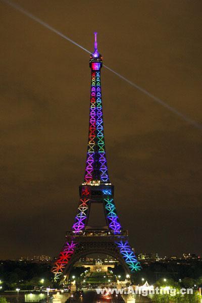 埃菲尔铁塔led灯光秀庆120岁生日(组图)