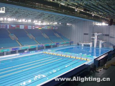 2008,中國百年奧運夢想,終于實現。隨著熊熊燃燒的奧運會主火炬在鳥巢內熄滅,北京奧運會圓滿地落下了帷幕,但北京呈現給世界的精彩卻將長存于人們的心中。在16天的時間里,奧林匹克精神與中華五千年文明親密接觸,來自五大洲的不同文化交相輝映,整個世界共同度過了一段激動人心的美好時光。本著綠色奧運、科技奧運和人文奧運的理念,北京奧運會成功地做到了讓奧林匹克變成了魔幻的難忘時刻。來自全球204個國家和地區的運動員以更高、更快、更強的奧運精神公平競爭,參與史上最受關注的北京奧運會,并在神奇的運動場館創造了神奇的